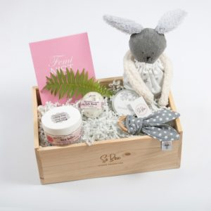 prezent dla mamy i dziecka z okazji narodzin zestaw prezentowy na baby shower