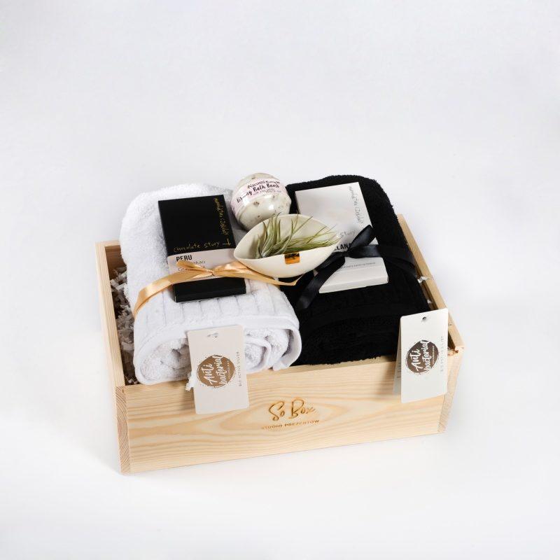 zestaw prezentowy Black and White praktyczny pomysł na prezent ślubny