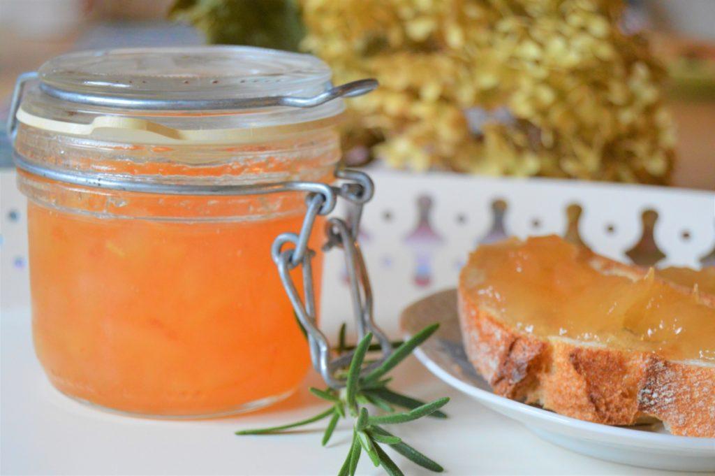 konfitura na prezent konfitura z gruszek z rozmarynem