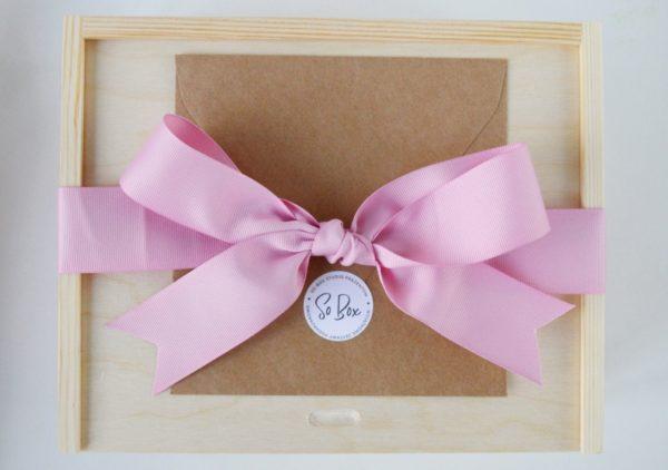 zestaw prezentowy ze wstążką prezent