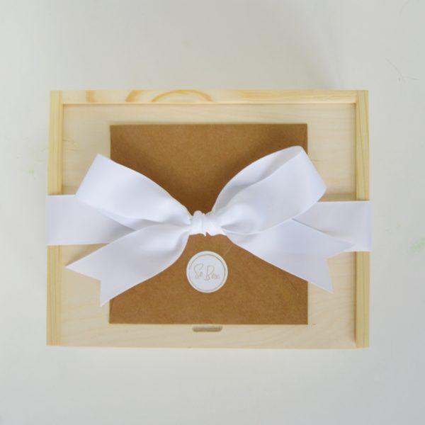 Co na prezent ślubny box prezentowy ze wstążką prezent