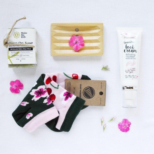 skarpetki na prezent box kosmetyczny
