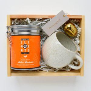 zestaw herbata z kubkiem
