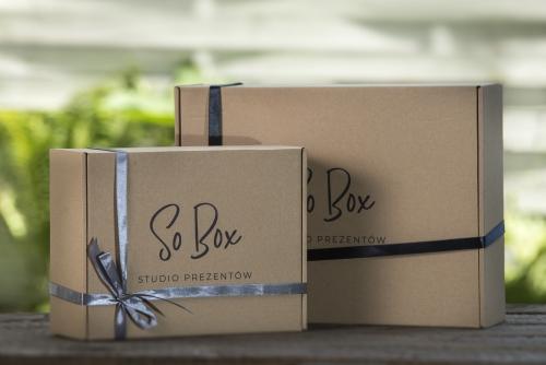 gift box prezentowy pudełko tekturowe ze wstążką ekotektura