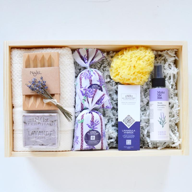 Lawendowy prezent Zestaw prezentowy Lawendowe Spa pomysł na domowe spa jako prezent dla rodziców na wesele