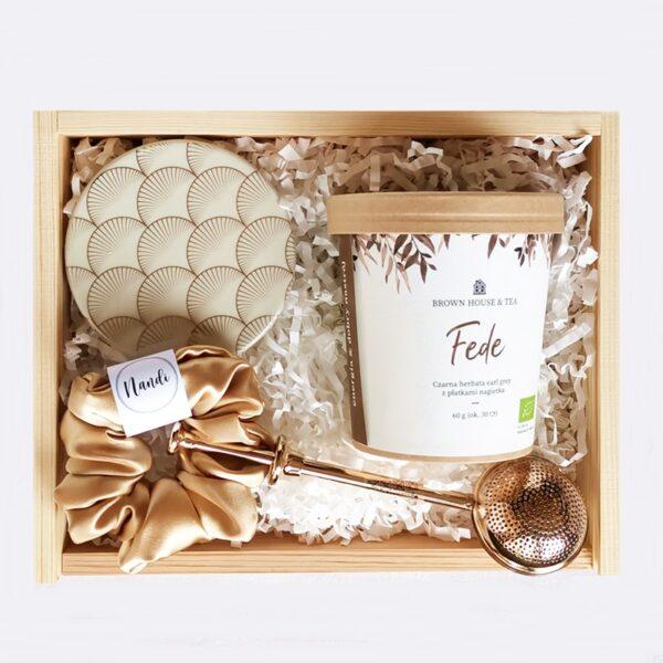 box prezentowy z herbatą na prezent dla mamy, żony lub koleżanki
