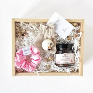 różany zestaw prezentowy dla dziewczyny